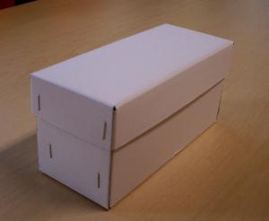ホッチキス箱。昔ながらの手作り箱「四隅ホッチキス止めタイプ」も人気。