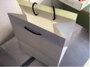 封が出来る手提紙袋