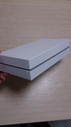 中箱が間から見えるインロー式貼り箱。印籠。