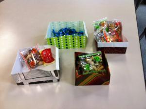 フランス包装紙で「お菓子入れ箱」