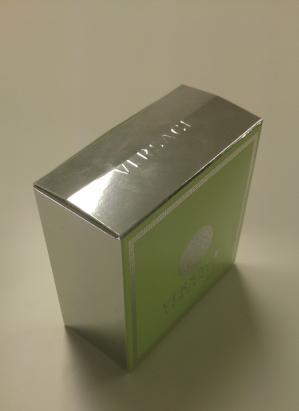 高級感のあるホイル紙の紙箱