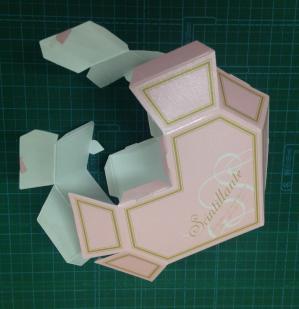 ハート型箱_ 2.JPG