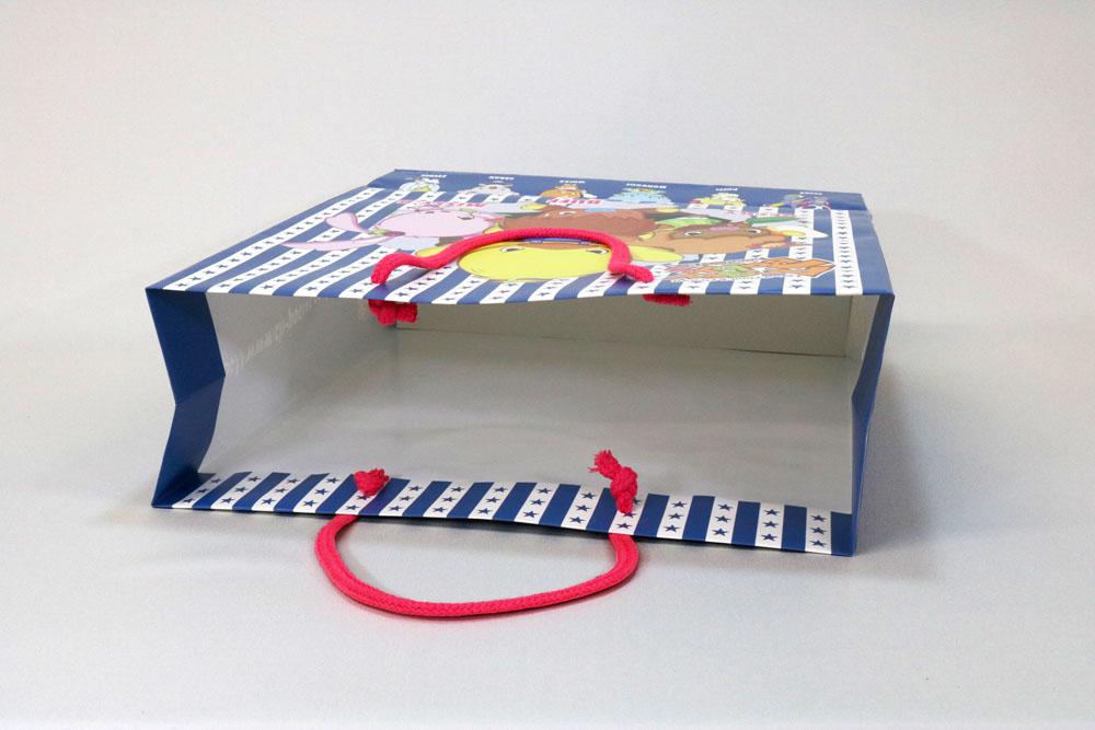 コート紙表面マットPP貼り、オフセット4色カラー印刷の別注紙袋の入れ口画像