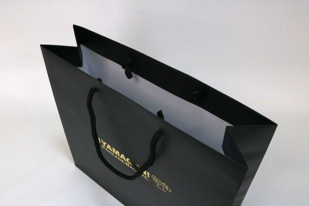 コート紙表面マットPP貼り、箔押印刷 艶金1色のセミオーダー名入れ紙袋の入れ口画像