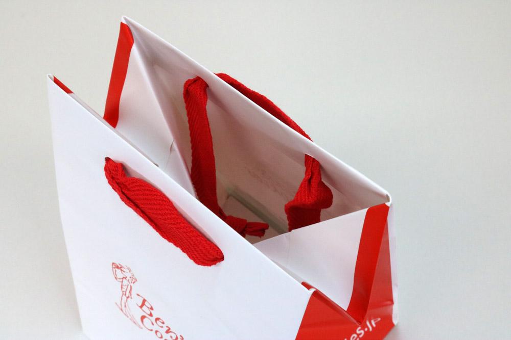 コート紙表面マットPP貼り三角折り、オフセット1色印刷の別注紙袋の入れ口画像