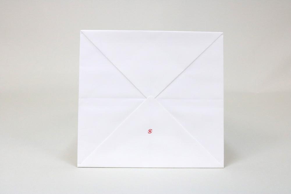 ミニッツ(プラチナホワイト) 三角折りリボン穴あけ、オフセット1色印刷の別注紙袋の底面画像