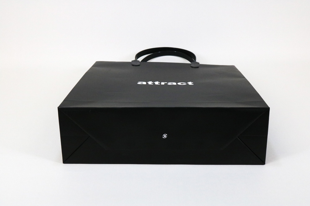 コート紙表面マットPP貼り、オフセット印刷ベタ1色の別注紙袋の底面画像