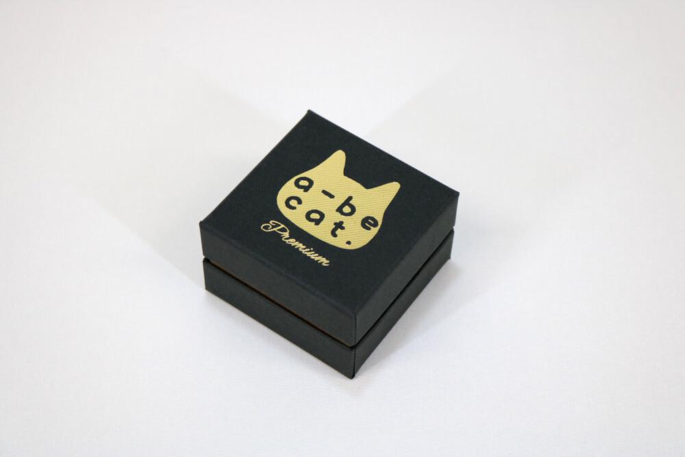 コンビケース7150に箔押し1色印刷した貼り箱