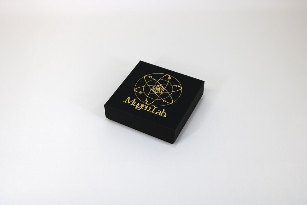 フェザーケース7320に箔押し1色印刷した貼り箱